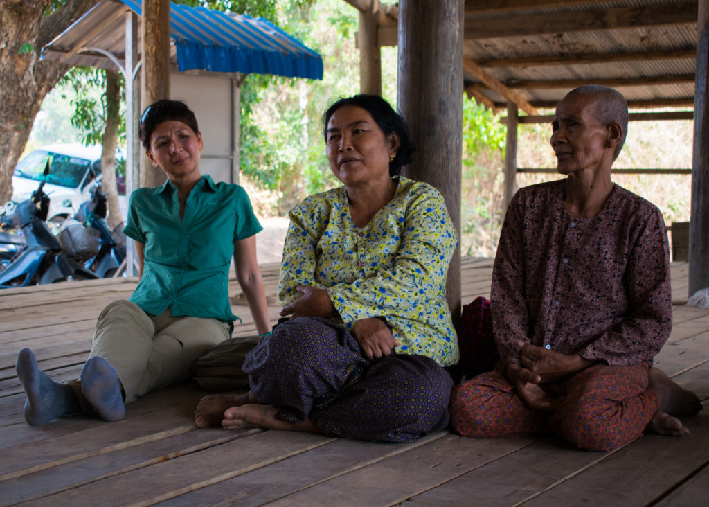 Trustees Meet Project Users in Chi Kraeng 03